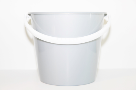 Pail w/bail,handle,polyethylene,10 litre