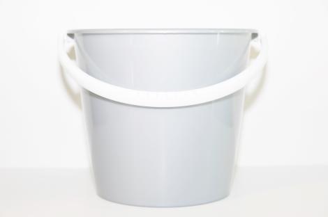 Pail w/bail,handle,polyethylene,10 litre