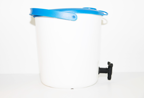 Bucket,HDPE,with lid and tap,14 l