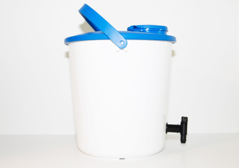 Bucket,HDPE, w/lid,10cm cap and tap,14 l