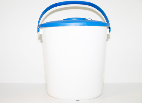 Bucket, HDPE, w/lid and 10cm cap, 14 l